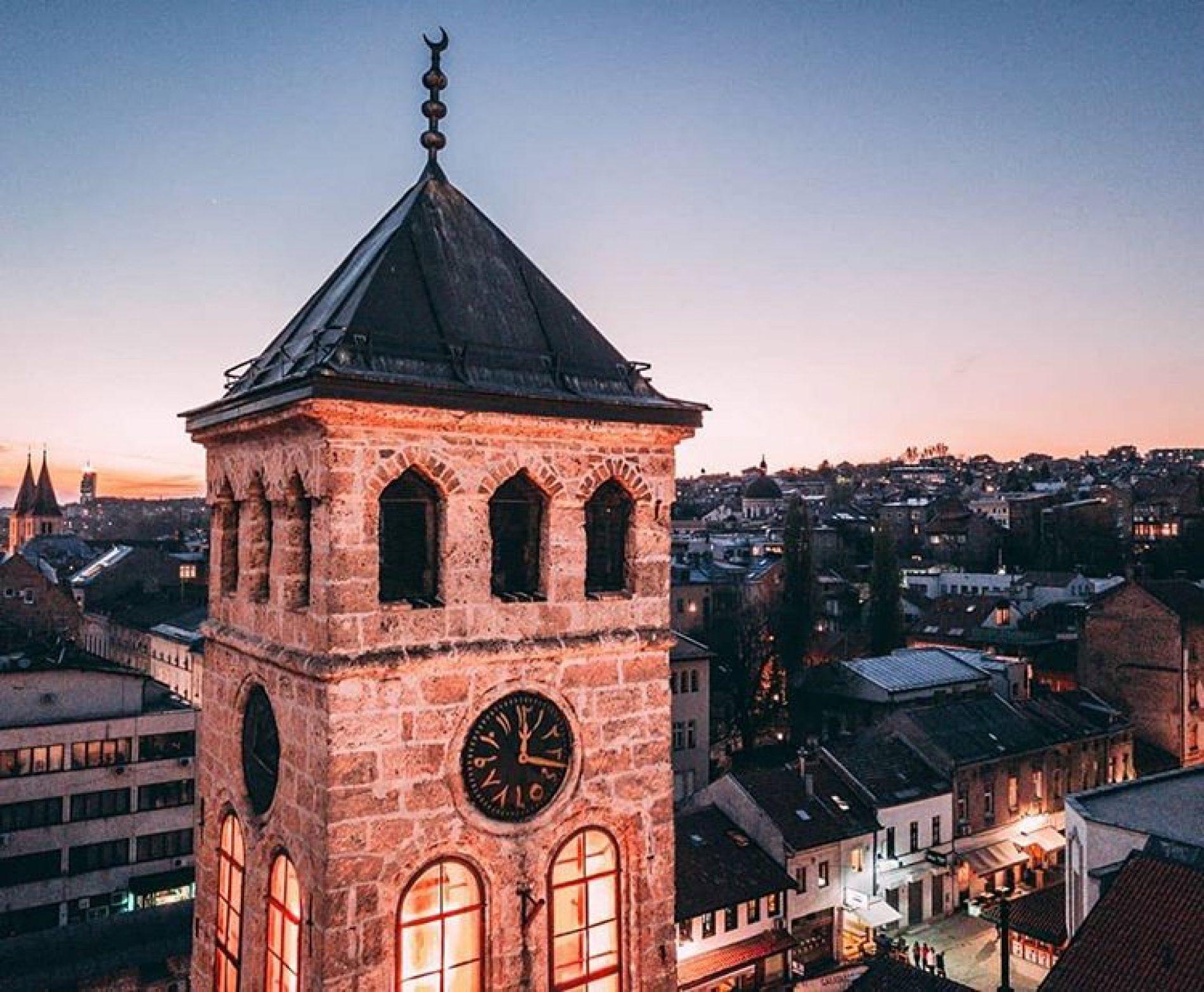 Sat na sarajevskoj Sahat-kuli jedini na svijetu mjeri lunarno vrijeme (VIDEO)