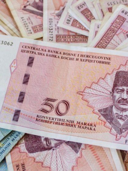 Prosječna neto plata u Bosni i Hercegovini u augustu viša za 3,5 posto