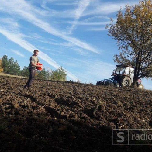 Mladi poljoprivrednik iz Kaknja:Ko hoće raditi, od stočarstva i rada na selu se može odlično živjeti