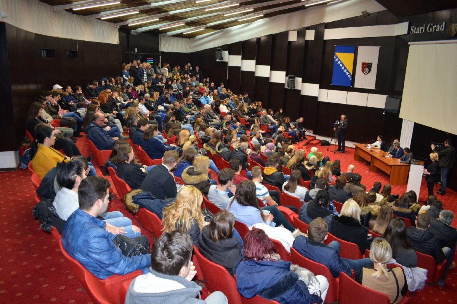 Općina Stari Grad Sarajevo raspisala javne pozive za dodjele stipendija, planirano 300.000 KM