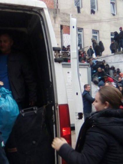 """""""Dajem slatkiš za tvoj osmijeh"""" – bosanski školarci pomogli djecu migranata u USK (Video)"""
