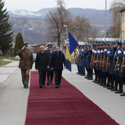 Komšić povodom Dana OSBiH: Građani Bosne i Hercegovine s pravom računaju na Oružane snage Bosne i Hercegovine