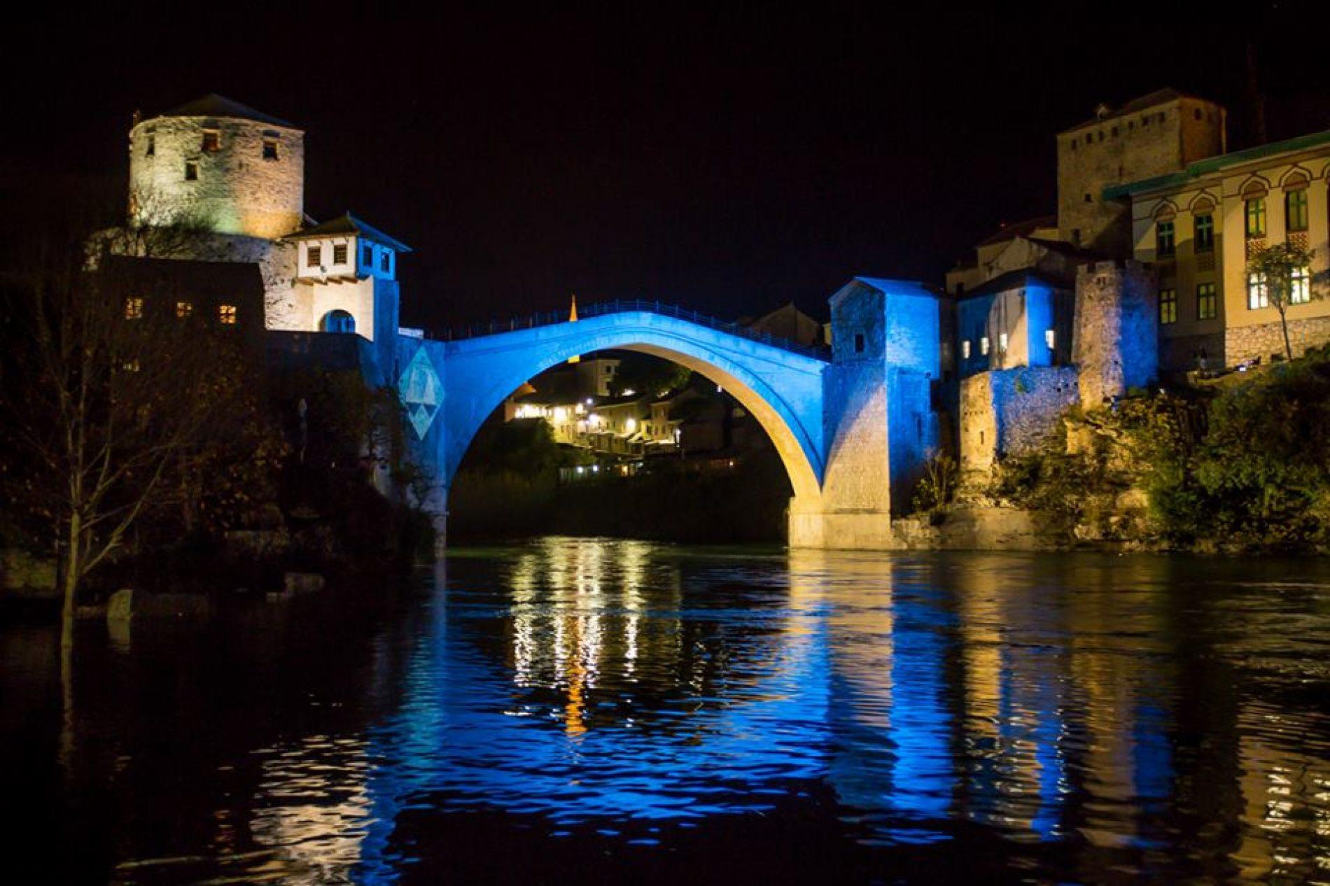 Stari most u Mostaru u znaku Međunarodnog suda pravde u Hagu