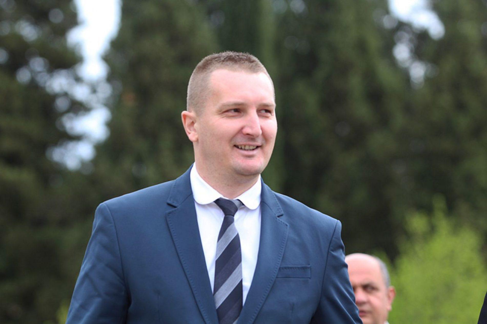 Oslobađanje ratnog zločinca i silovatelja djece u režiji ministra Grubeše i pravosuđa Hrvatske je izrugivanje pravdi