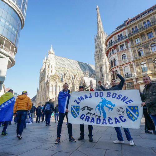 Beč u bosanskim bojama: Bosnu i Hercegovinu će večeras bodriti blizu 20.000 navijača