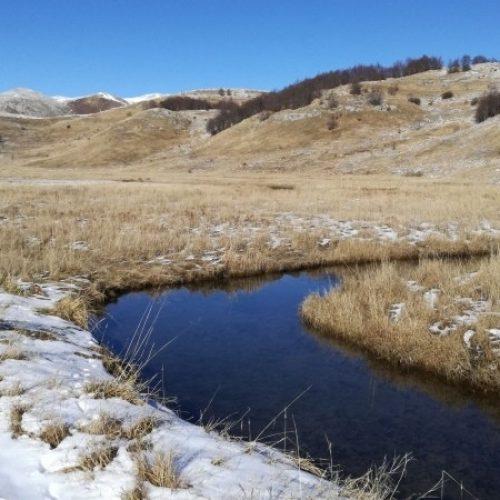 Na početku decembra – Plavetnilo neba u ogledalu Studenog potoka