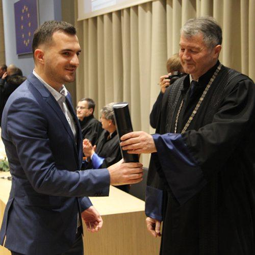 Bišćanin Ragib Botonjić student generacije Medicinskog fakulteta u Zagrebu