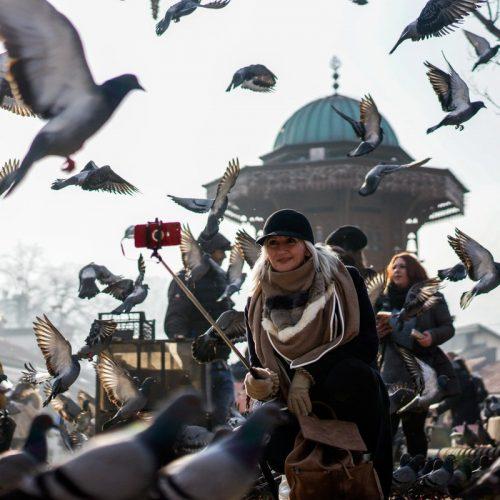 Praznično raspoloženje: Turisti iz Evrope i Azije oduševljeni ambijentom u Sarajevu