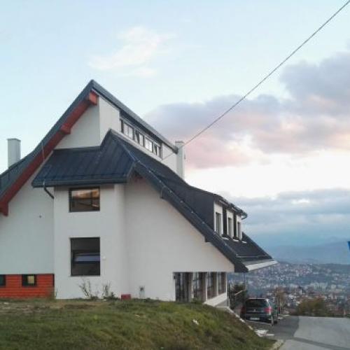 """""""Dom oslobodilaca"""" na brdu Žuč – simbol historije i hrabrosti"""
