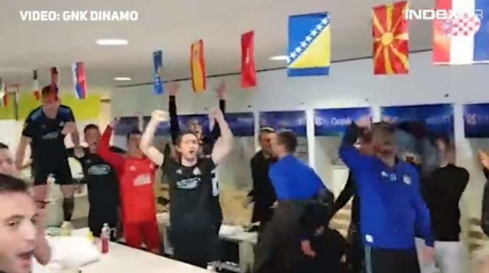 U svlačionici Dinama zajedno vise zastave Hrvatske, Bosne, Srbije, Kosova