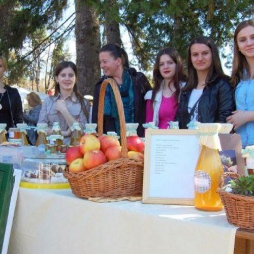 """Oko 150 članica Udruženja """"Mreža žena – Veliko srce u BiH"""" bavi se proizvodnjom i preradom voća"""
