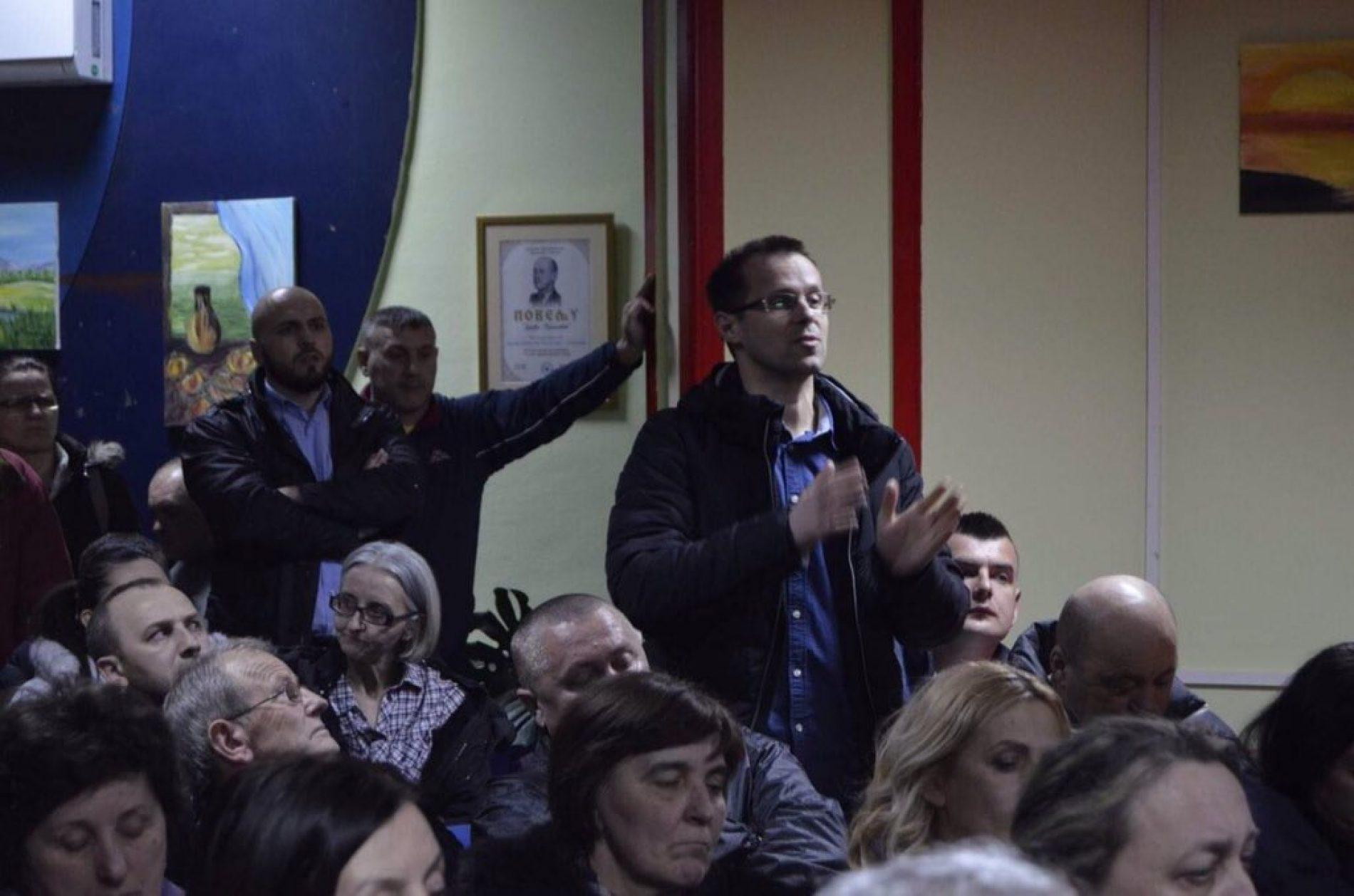 ISTINOM U GLAVU: Kako je Nedžad Avdić ušutio negatore genocida u Srebrenici