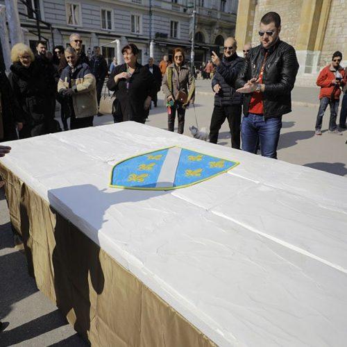 Sarajevo: Povodom Dana bosanske nezavisnosti – torta u obliku zastave sa ljiljanima