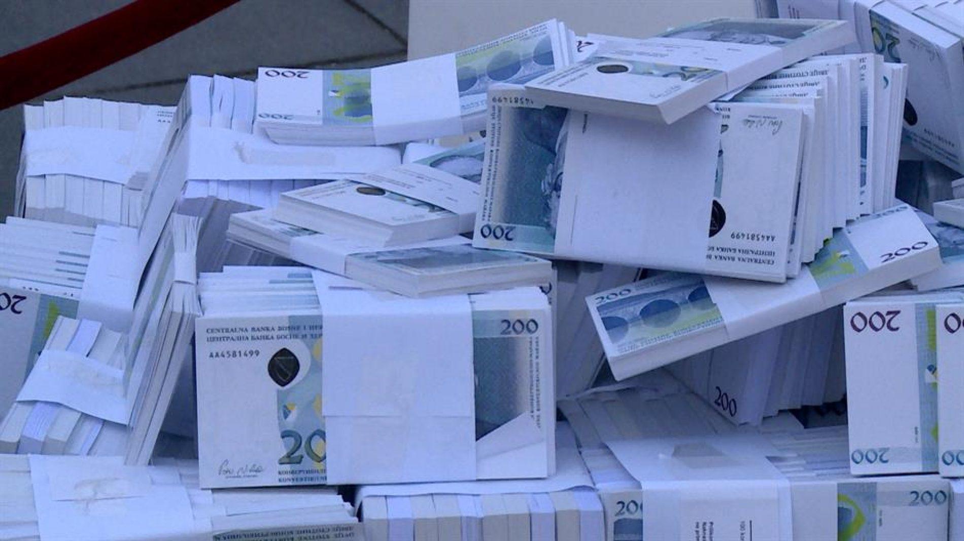 Bosanci sve bogatiji! Lani štednja u bankama uvećana za dodatnu milijardu BAM