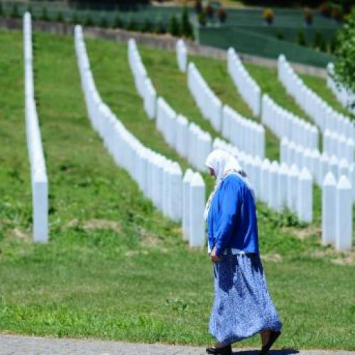 Preminula srebrenička majka Zejna Suljić – u genocidu joj ubili šest sinova, unučad od 13 i 11 godina
