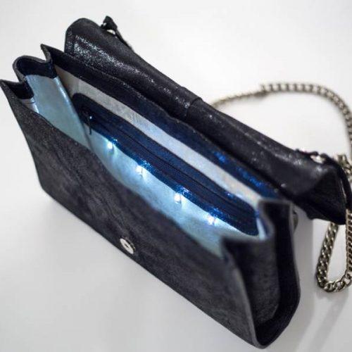 Bosanski izum! Pametna torbica koja ima LED svjetlo, omogućava punjenje mobitela..