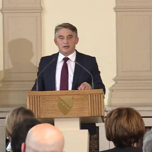 'Ne postoji nijedan Bosanac i Hercegovac u svijetu koji ne želi dati doprinos jačanju naše države'