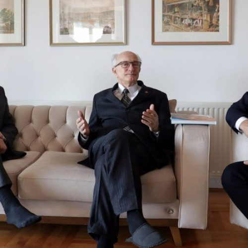 Kasumagić potpisao pristupnicu Mladim Muslimanima staru 77 godina (VIDEO)