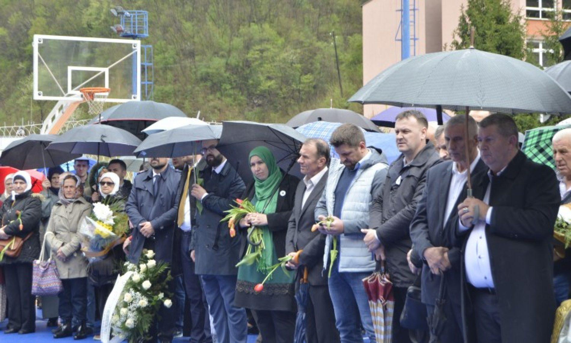 Obilježena 26. godišnjica zločina nad bošnjačkim civilima u Srebrenici