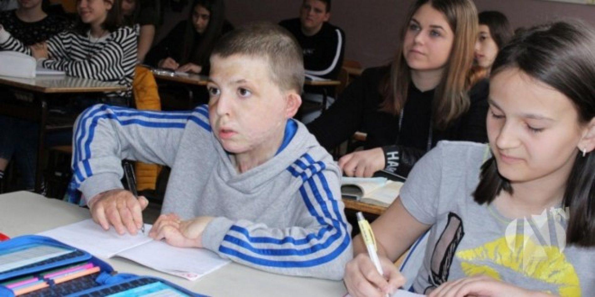 Hrabri dječak koji je dobio bitku za život: Meho Beton se nakon 20 mjeseci vratio u školu