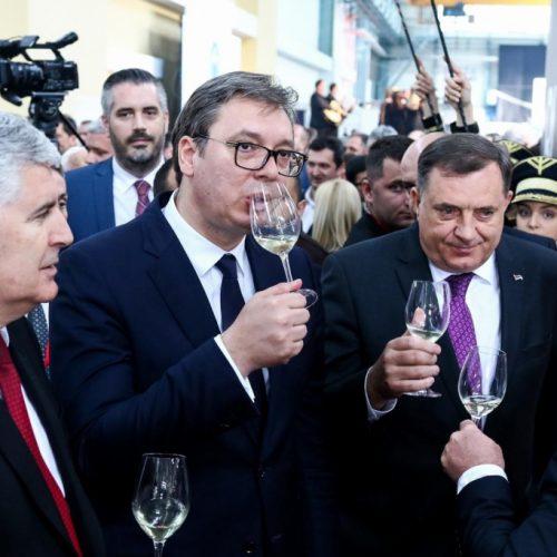 Dodik plasira perfidnu i opasnu propagandu u stilu Miloševićevog režima