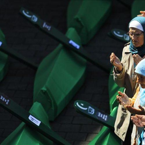 Klanjana dženaza i obavljen ukop vlaseničkim žrtvama: Traga se za još 1.000 ubijenih
