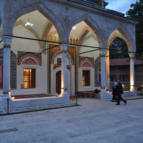 Vjernici i u Aladža džamiji dočekali odabrani mjesec
