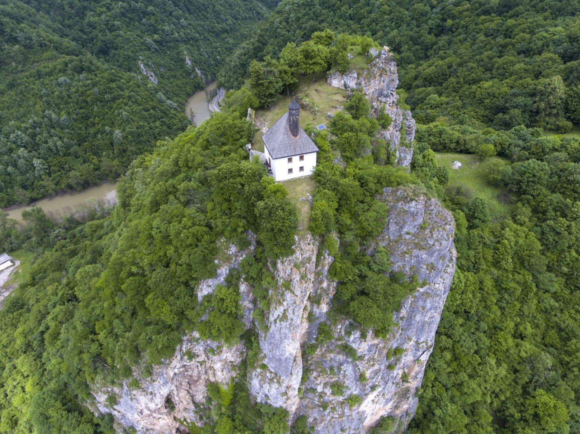 Molitva na stijeni: Kušlat džamija u Podrinju