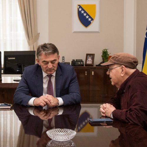 Sidran prenio Komšiću impresije o razgovoru s Macronom u Parizu