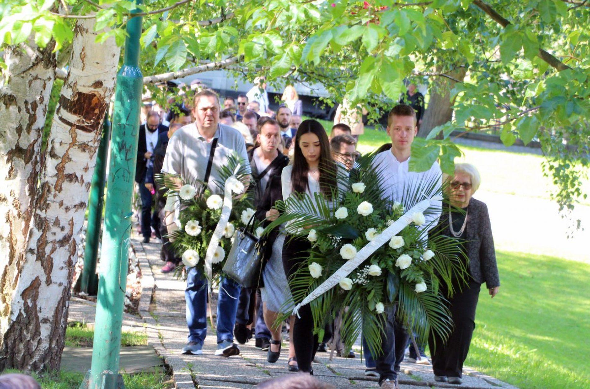 Prekinuta mladost: Godišnjica masakra na tuzlanskoj Kapiji