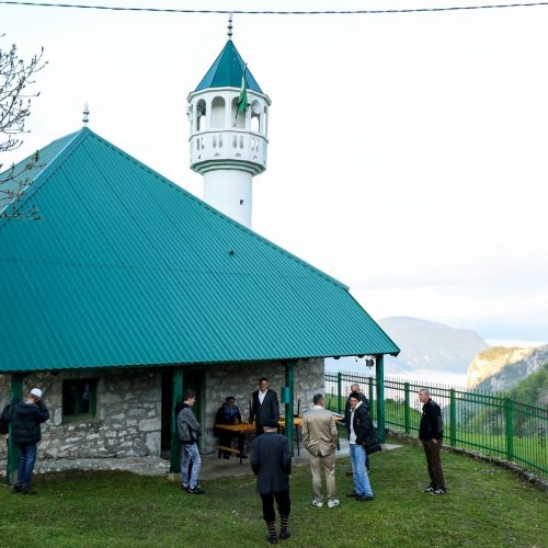 I na Lukomiru klanjan Bajram-namaz: Nakon zime 20 porodica se vratila u selo