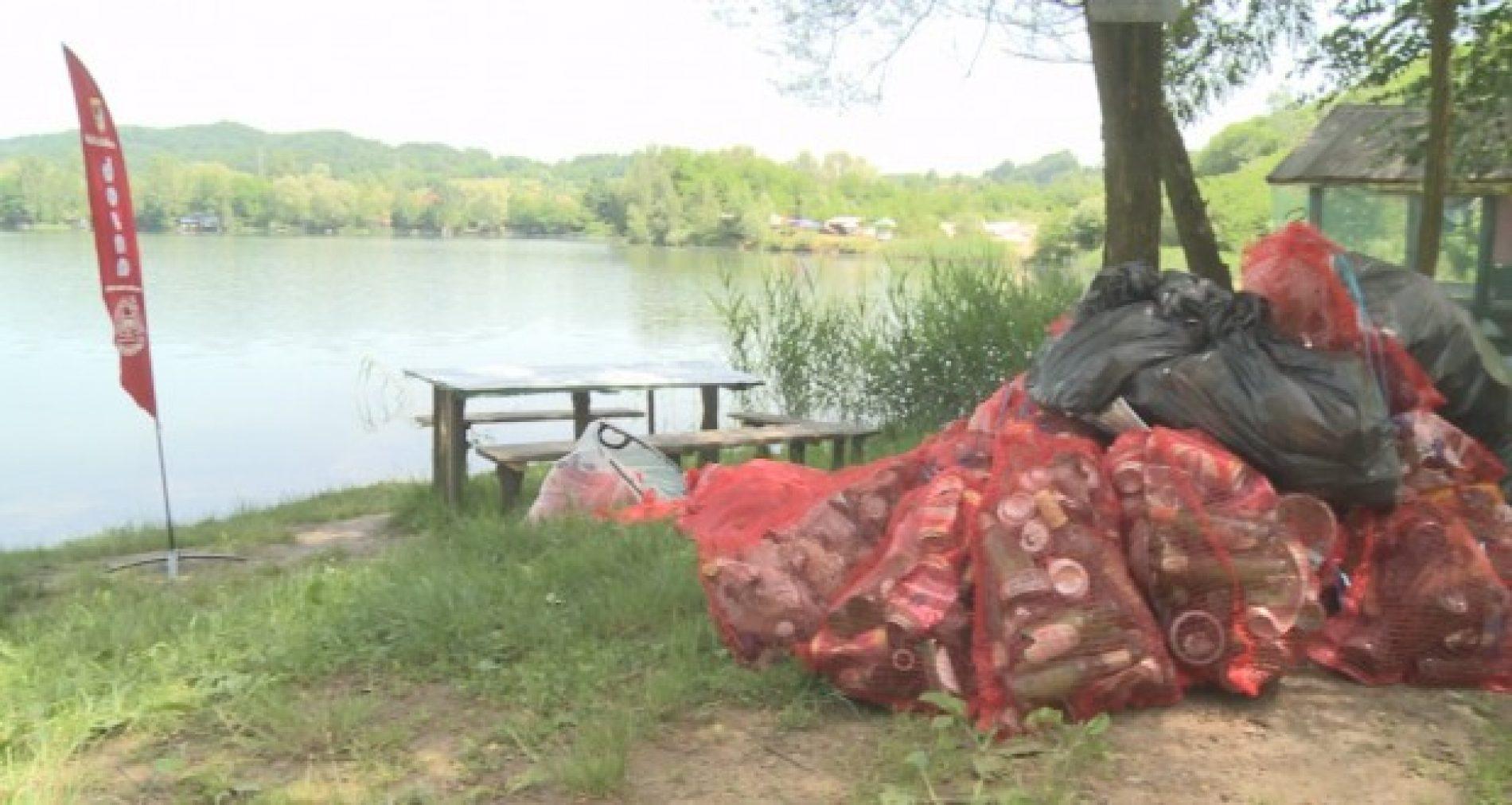 Desetine ronilaca iz Sarajeva u akciji čišćenja jezera Kop u Tuzli (Video)