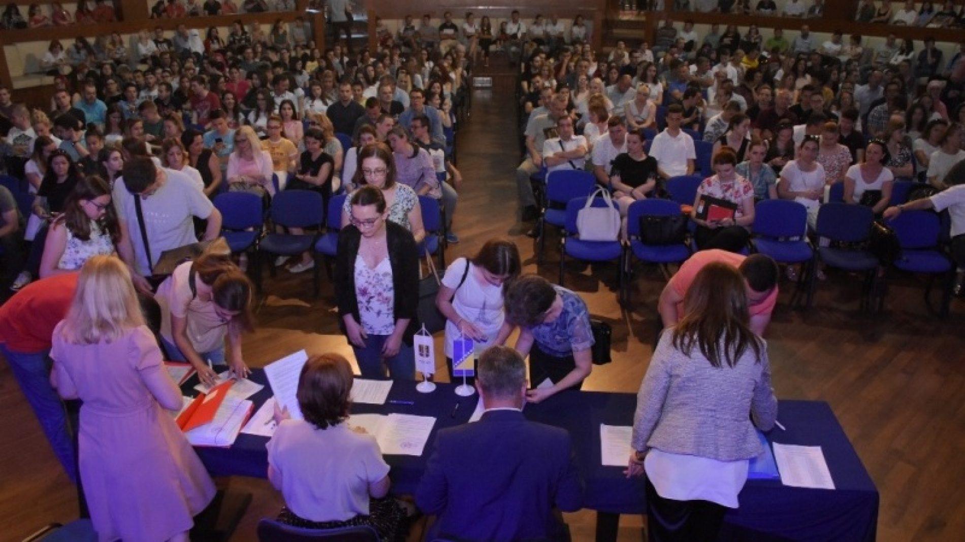 Općina Centar dodijelila 441 stipendiju