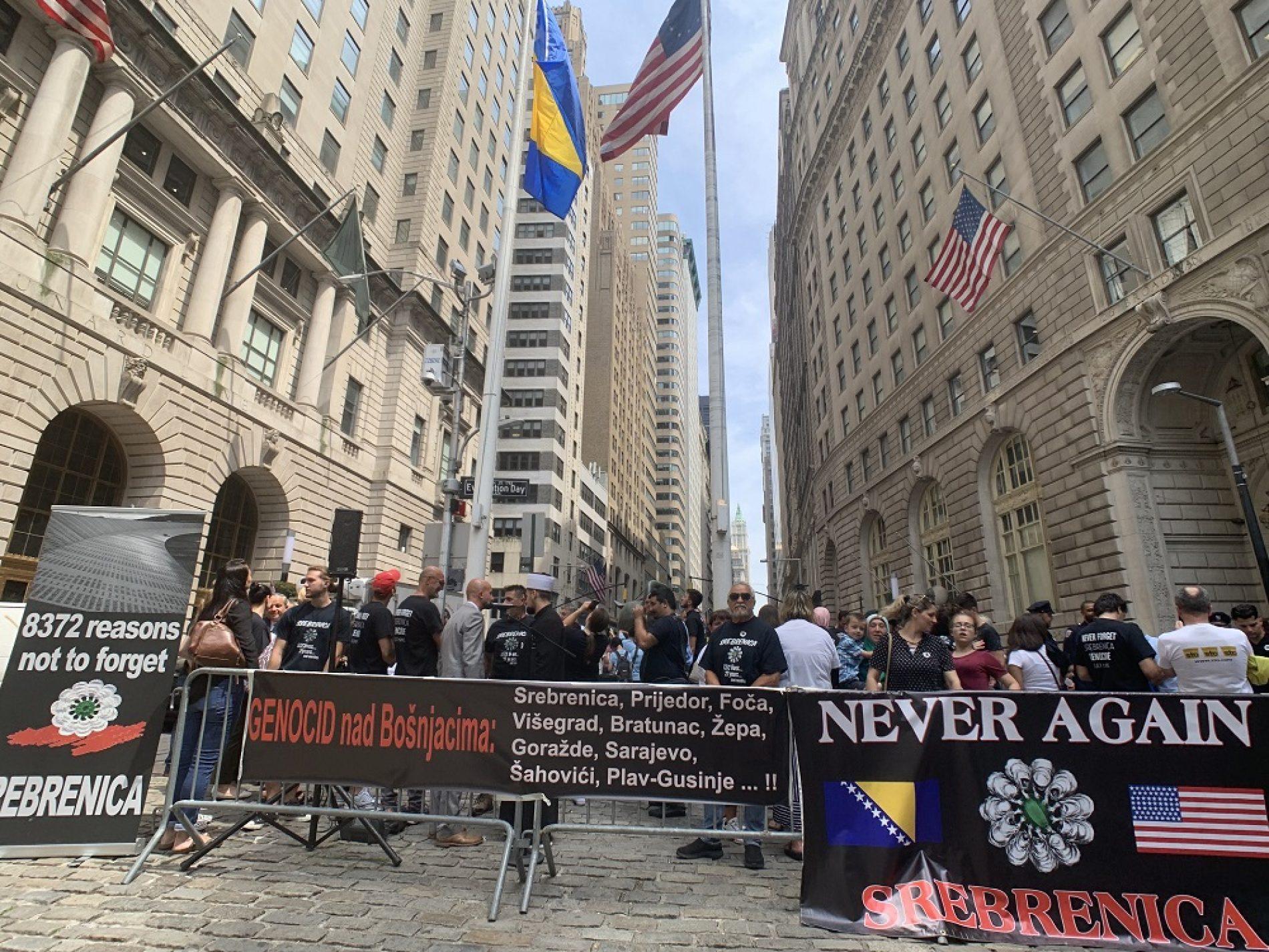 U New Yorku na Wall Streetu upriličena komemoracija za žrtve genocida u Srebrenici i Bosni