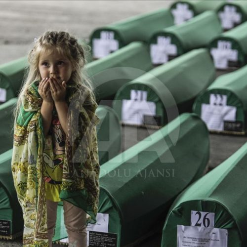 Ukop nekompletnih posmrtnih ostataka 33 žrtve genocida: Do sada ukopano više od 400 maloljetnika