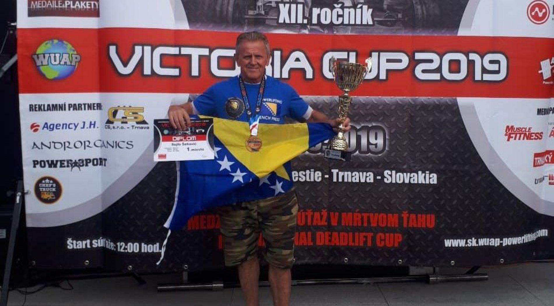 Šehović se iz Slovačke vraća s novim zlatom i peharom