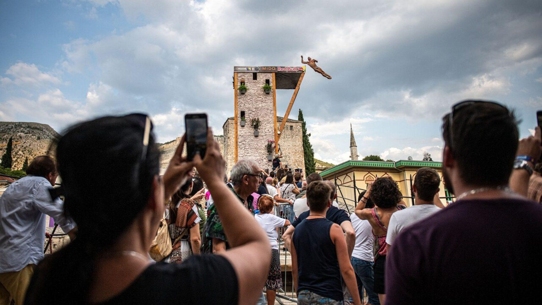 Najbolji svjetski skakači danas na Starom mostu – Gledajte direktan prenos iz Mostara