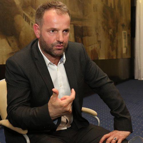 Kako je pitanje jedne nane potaklo Suada Bešlića da se vrati u Bosnu
