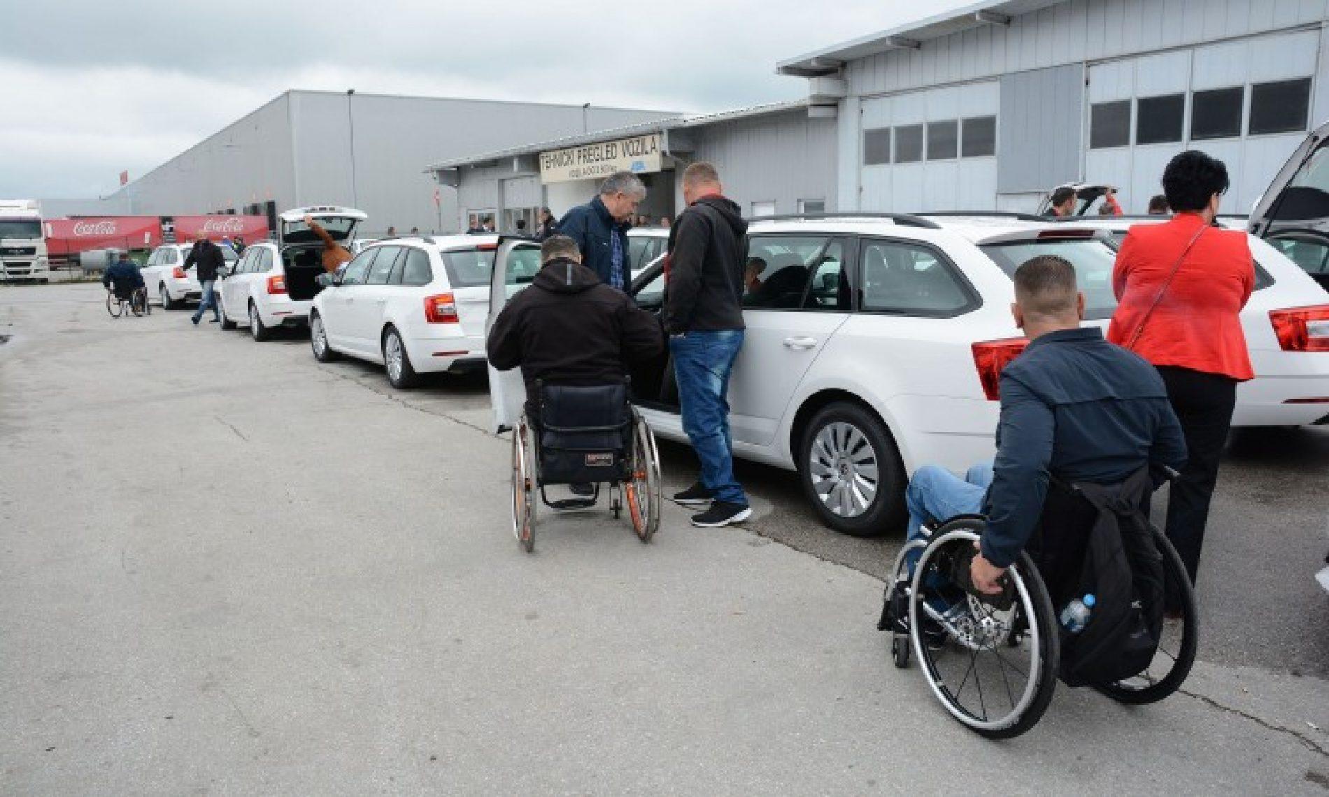 Uručeni ključevi 60 automobila ratnim vojnim invalidima