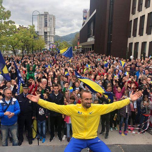 Bosna je nagradila svog šampiona: Veliki dočeci i novčane nagrade za Amela Tuku