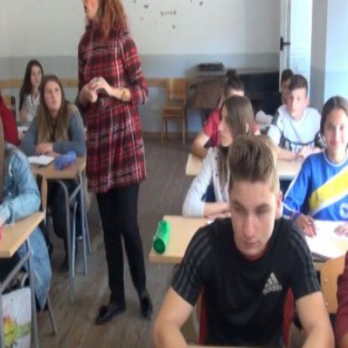 Djeca iz Konjević-Polja školuju se u Novoj Kasabi (Video)