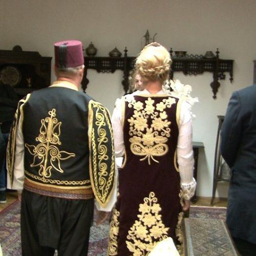 Vjenčanje u Travniku,  mladenci u predivnim tradicionalnim bosanskim nošnjama (Video)