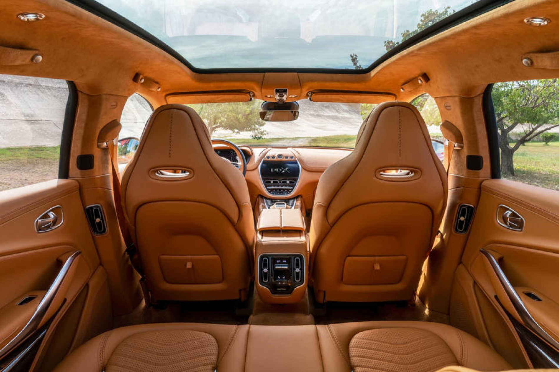 Ovo je unutrašnjost novog modela Aston Martina – izrađena na istoku Bosne