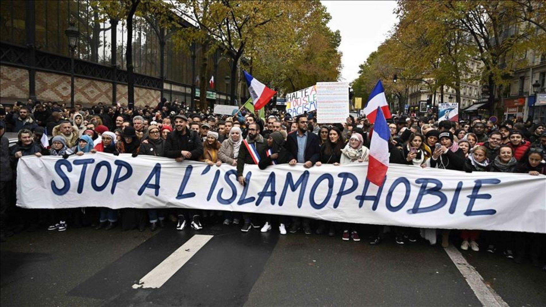 Francuske fobije: Predsjednik vrijeđa okolo, ljudi na ulicama Pariza upozoravaju na rasizam