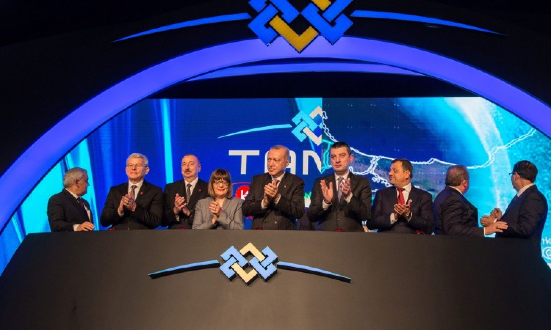 Džaferović s Erdoganom i Alijevim ozvaničio povezivanje gasovoda TANAP s Evropom