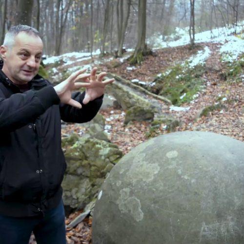 Misterija kamenih kugli: 'U selu nema bolesnih, niko nije imao rak i dugo se živi' (Video)
