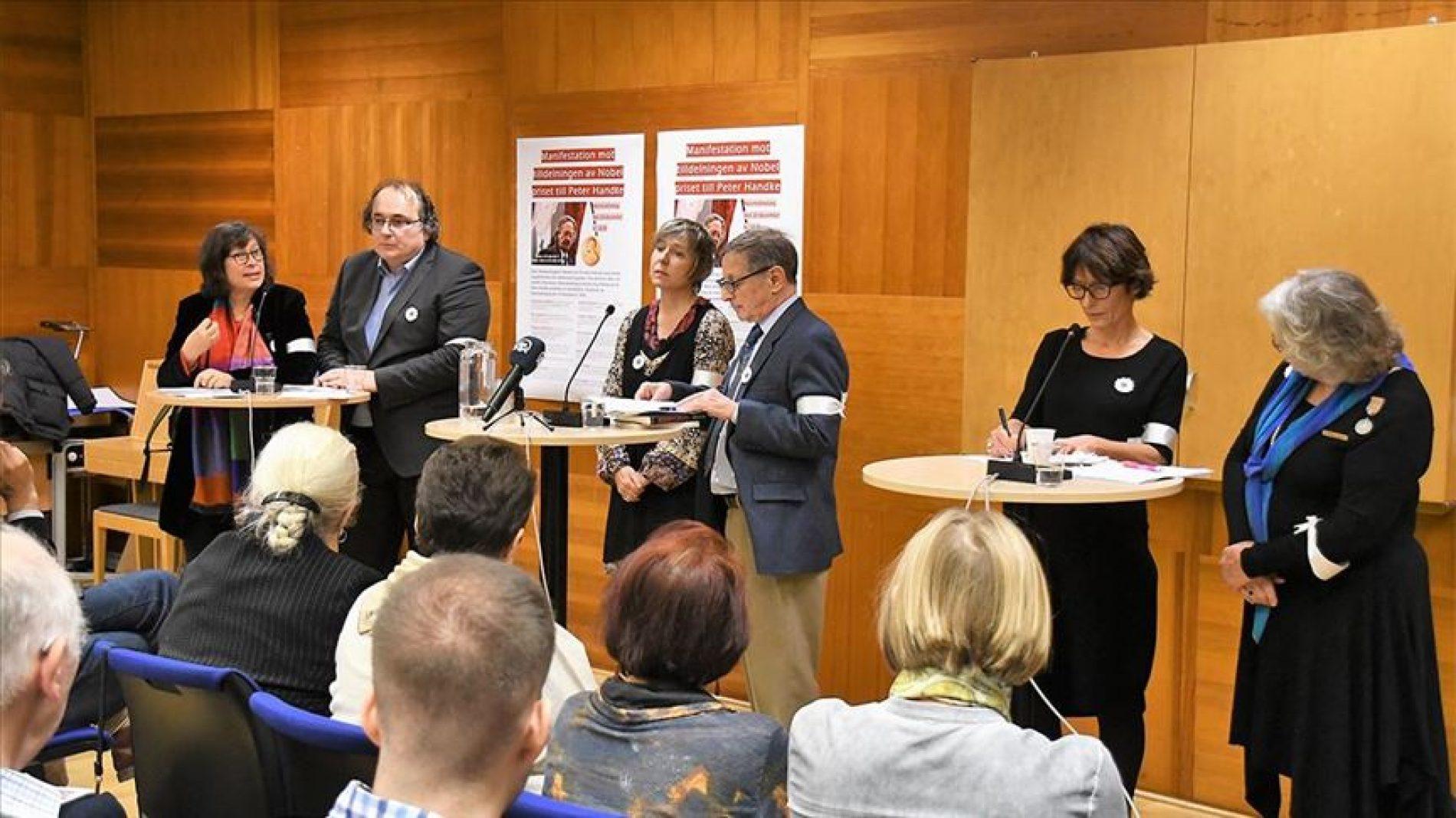 Stockholm: Akademici i novinari traže oduzimanje Nobela za književnost; najavljen veliki protest