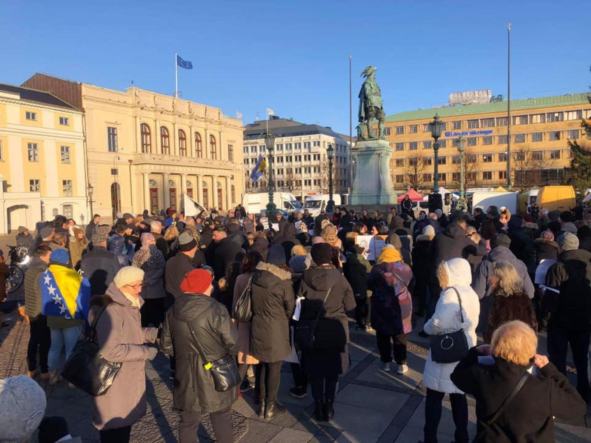 """Protesti u Geteborgu uz """"Srebrenički inferno"""": Odbrana istine, časti i dostojanstva nas i Nobela"""