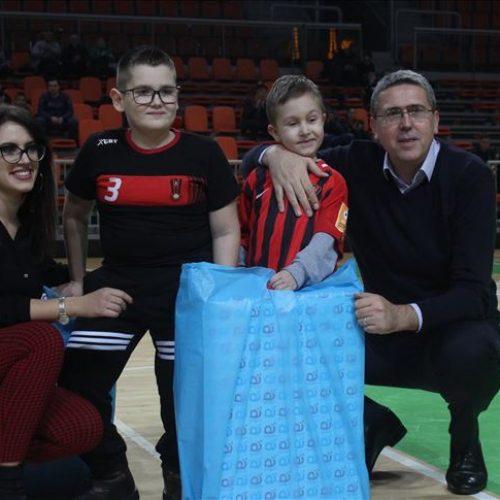 Zenica: Odigrana humanitarna utakmica za dječake Ajdina Žigonju i Vedada Hadžića