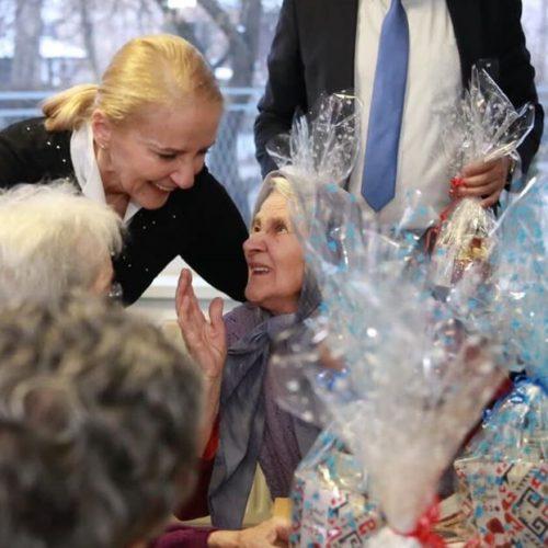 Gradonačelnik Sarajeva i direktorica Izetbegović na proslavi Nove godine sa štićenicima Gerontološkog centra